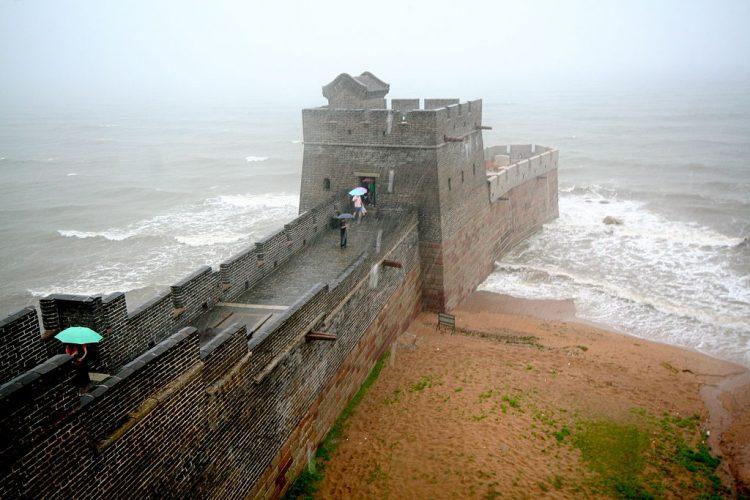 Залив Жёлтого моря стена
