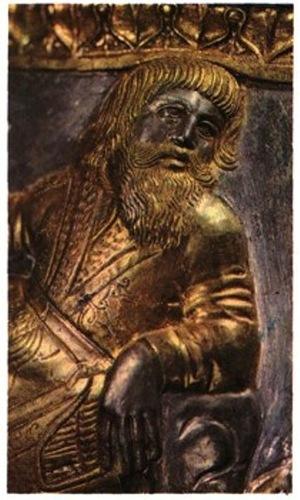 Фрагмент скифского барельефа на бронзовой посуде.