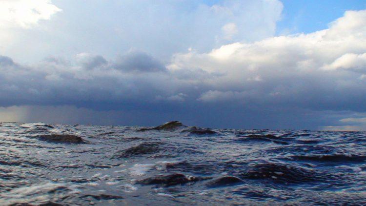 Шторм на Псковском озере