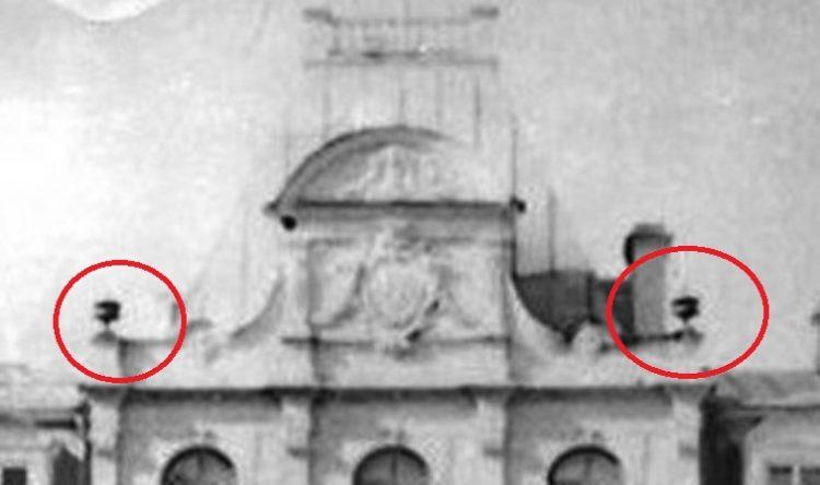 Увеличенный фрагмент парадного фасада дворца с фотографии девятнадцатого века.