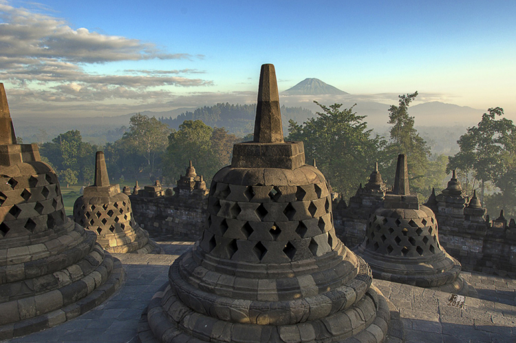 Ступы Боробудур, о. Ява, Индонезия