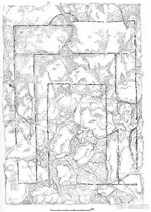 Глиняная плита с расчетным чертежом XII в. Старая Рязань