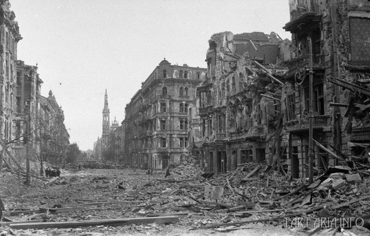 Варшава 1945