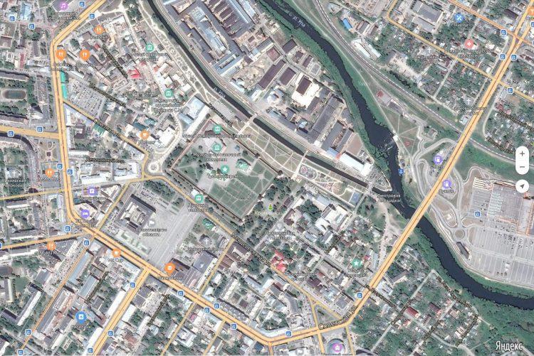 Улица Советская, полукругом опоясывает исторический центр города Тула
